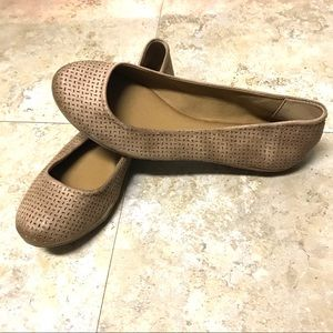 Report Victory Shoes Flats Women's 8